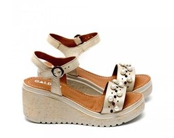 Women Gold Platform Genuine Leather Sandals with Pearls, Hippie Sandals, Vintage Shoes, Vintage Sandals, Women Gold Sandals, Beach Shoes