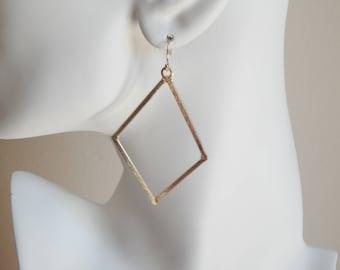 Brushed gold diamond shape earrings, statement earrings, dangle earrings, boho jewelry, beach chic, trendy long earrings, minimalist jewelry