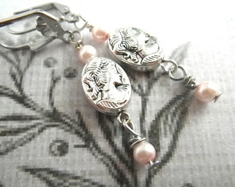 Victorian Lady - earrings earrings with Cameo Bead