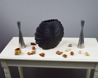 Short Nautical Seashell Vase in Black by Aufora