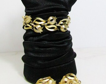 Vintage Bracelet and Earrings: Lisner Gold tone Tulips