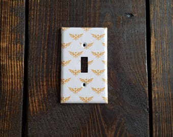 Golden Zelda Royal Family Crest Light Switch And Other Style Covers | Legend Of Zelda - Link - Breath Of The Wild - Zelda Icons - Home Decor