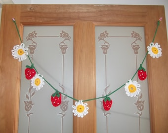 Crochet Strawberries and Daisies Bunting