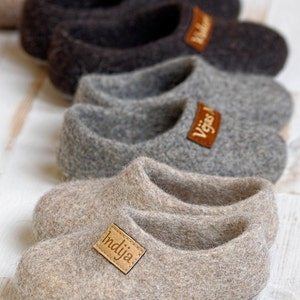 Felt kids slippers- felted baby slippers- wool baby clogs- kids felt shoes- wool slippers for children- natural wool slippers