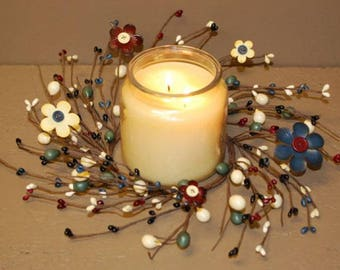 Button Center Flower and Pip Berry Candle Ring