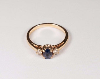 14K Yellow Gold Sapphire and Diamond Ring , 2.6 grams, size 6.5