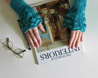 Lace Arm Warmers Knitted in Emerald Green Wool