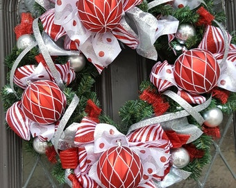 Christmas wreath, lighted wreath, battery operated, lights, candy wreath, Christmas decor, wreath with lights, holiday wreath