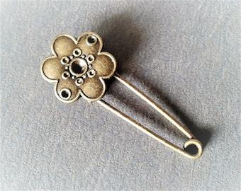 5.5 cm bronze metal flower brooch