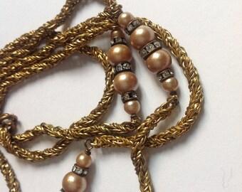 Vintage  long Neklace 60 s gold chain pearls rhinestones beads