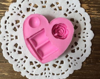 Pink, chocolate and pearl mold