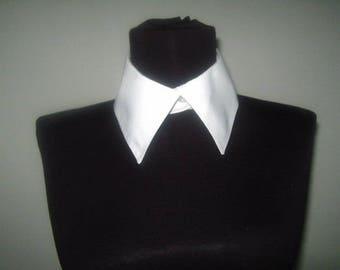 Ladies white collar /Mesdames collier blanc,