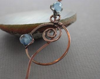 Penannular shawl pin or scarf pin with spiral circle and aqua blue Unicorne lampwork glass, Round shawl pin, Fibula, Cardigan clasp, SP109