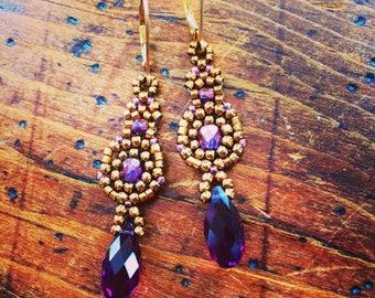 Vintage inspired purple crystal earrings, purple earrings, crystal earrings, vintage inspired earrings, amethyst earrings