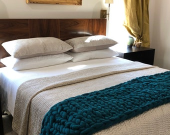 Chunky Arm Knit Teal Green Throw/Bed Dressing for KING or QUEEN Bed