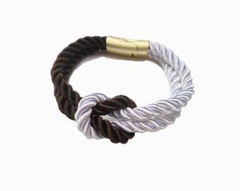 Bracelet in twisted rope and fermoire magnetized.