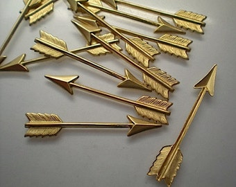 12 large brass arrow charms