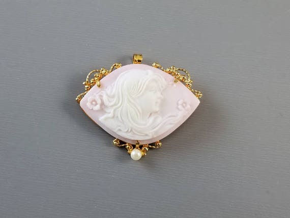 Vintage estate 18K gold Italian pink shell cameo and pearl milgrained beaded brooch pin, pendant, necklace