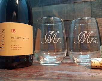 Mr. & Mrs. Wine Glasses, Custom Glasses, Personalized Gift for Couple,  Set of Wine Tumblers, Engraved Stemless Wine Glasses, Set of 2