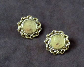 Vintage Gold Coin Earrings Stud Earrings Gold Post Earrings Round