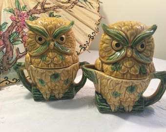 Vintage Owl sugar creamer and salt and pepper set - ceramic owls - japan Arrow - Owl salt and pepper - Vintage Table set - Kitschy Owl set