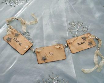 Christ is born flash card ornament\/garland (cream)