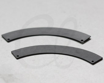 2 Pieces Matte Black Plated Brass Base Hammered Crescent Link - Geometry - 50.5x14mm (3080C-G-346)