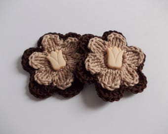 2 Crochet Flowers 6 cm with a tulip button