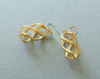 Twisty  - 14KT Gold Plated  Earrings - made with 3D printing technology -  Made-to-order | 3D Printed Earrings