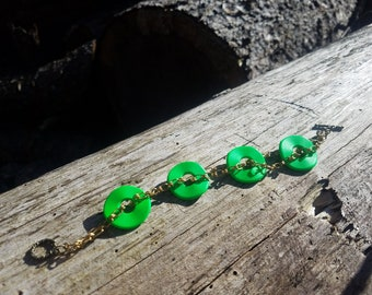 Green donuts chain bracelet
