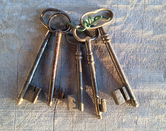 French Vintage Keys Hand-Forged 18thC 19thC Antique Five Keys