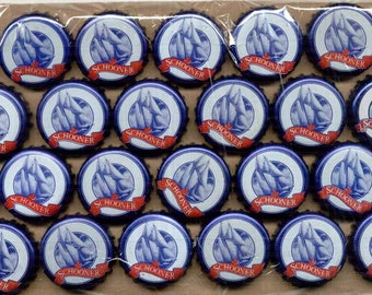 100 blue & white undented SCHOONER ship beer crown caps