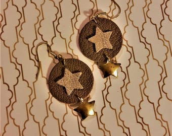Earrings gold stars and leather.