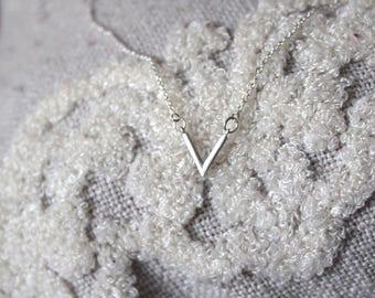 V' Bar Necklace // dainty sterling silver necklace // statement necklace //