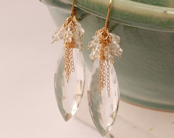 Boucles d'oreilles de mariée de luxe, Briolette de Quartz cristal clair, boucles d'oreilles pierres précieuses naturelles, AAA cristal de Quartz, déclaration mariée boucle d'oreille en or