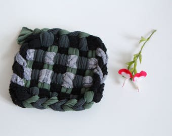 Two Tawashis 束子 (washable sponges) Grey Heather, black, green and fern Green