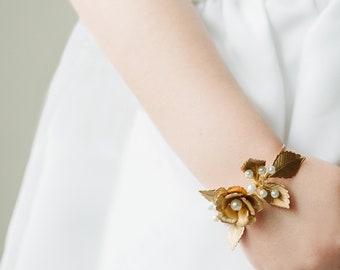 Gold Wedding Bracelet, Gold Leaf Bracelet, Leaf Flower Bracelet, Gold Rose with Baby's breath Bracelet, Rose Bracelet, Amy Bracelet