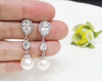 Bridal earrings, Pearl Earrings, Crystal Pearl Bridal Earrings, Swarovski Pearl Earring,cubic zirconia earrings,bridesmaid gift,long earring