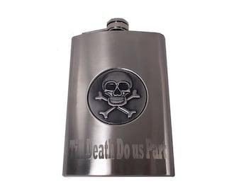 8 oz Engraved Skull and Crossbones Flask