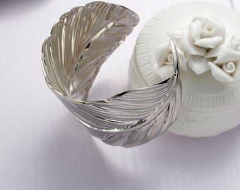 Trend leaf Cuff Bracelet - 17cm