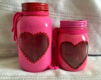 2 Valentine pink Mason jars