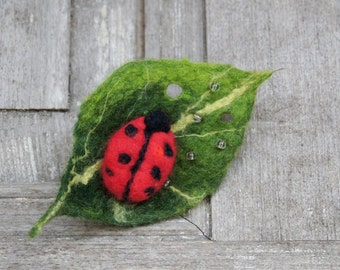 Cute ladybug on leaf, felted wool brooch, felt jewelry, red and green brooch, perfect gift for girl, unique Valentines gift, OOAK