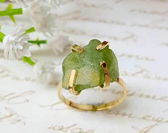 Raw Peridot Ring, Raw Stone Ring, Peridot Birthstone Ring, August Birthstone Ring, Gold Solitaire Ring, Green Stone Ring, Birthstone Jewelry