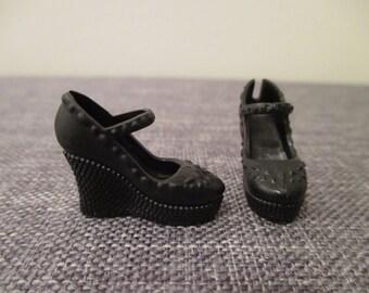 Barbie®accessory black maryjane sandals platform shoes fashionista add on