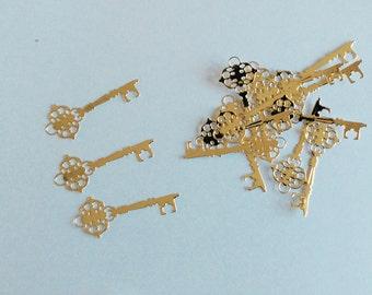 15 die cut gold keys