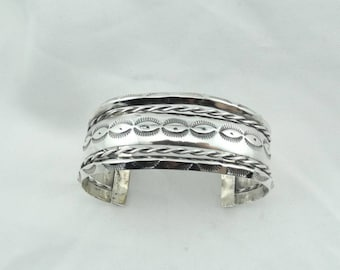 Beautiful Hand Stamped Vintage Southwest Native American Sterling Silver Cuff Bracelet  #STAMPED-CF7