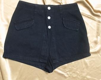 vintage black button fly skort skirt / shorts made in USA sz 9 / 29 in waist