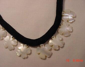 Vintage Mother Of Pearl Flower Necklace   18 - 354