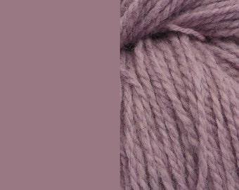 Wool yarn, light dusty lilac/purple, bulky 2-ply worsted pure wool knitting yarn 50g/65m cake
