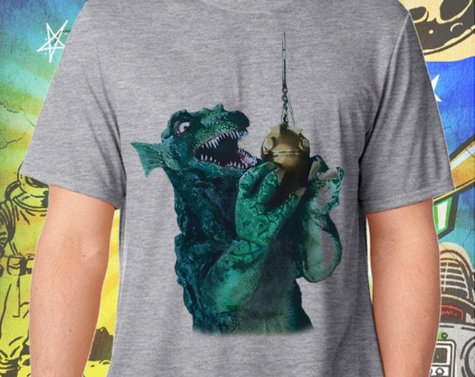 GORGO / Britain's Godzilla Fishing / Men's Gray Performance T-Shirt